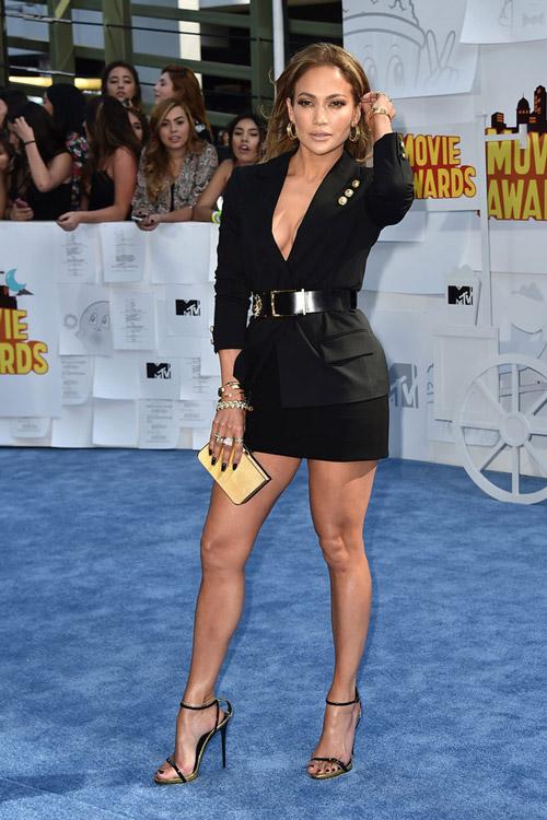 MTV-Movie-Awards-2015-Red-Carpet-nemuna-4