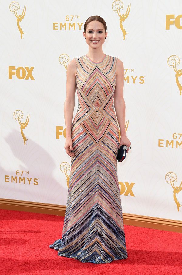 nemuna-ellie-kemper-emmys-red-carpet-2015