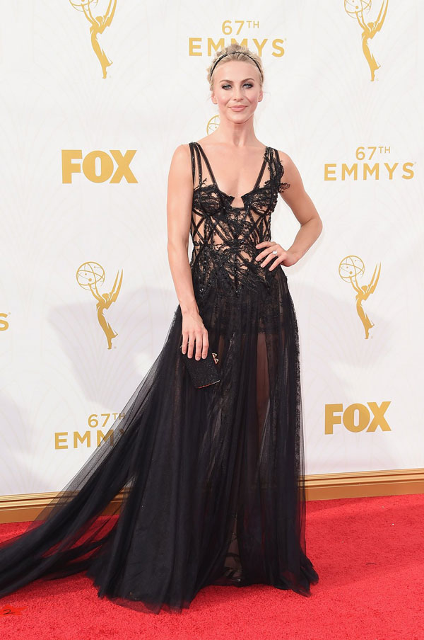 nemuna-julianne-hough-emmys-red-carpet-2015