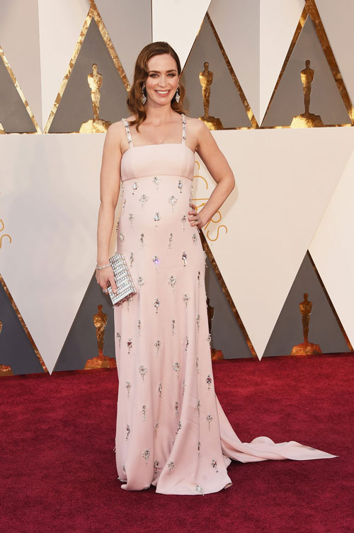 emily-blunt-oscars-red-carpet-2016