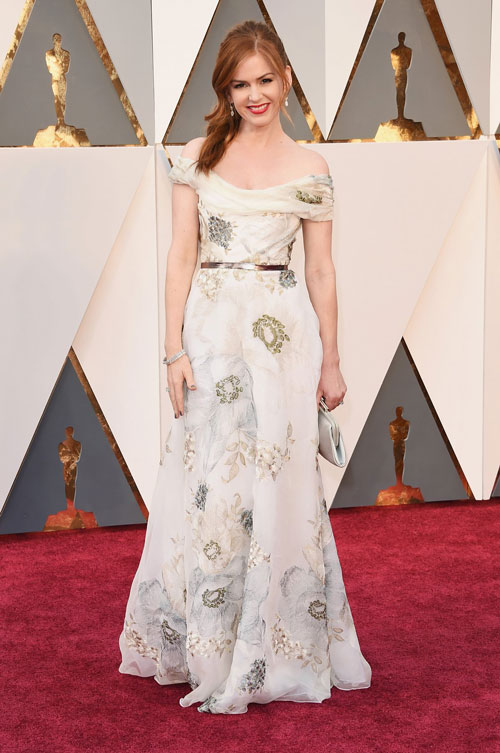 isla-fisher-oscars-red-carpet-2016