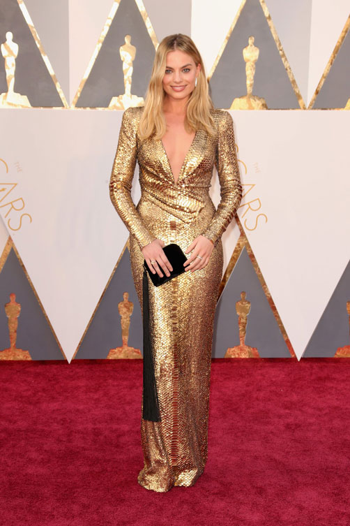 margot-robbie-oscars-red-carpet-2016