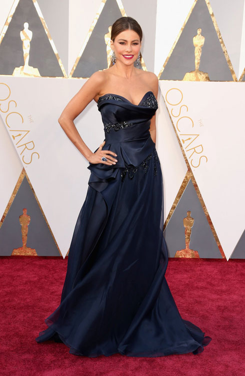 sofia-vergara-oscars-red-carpet-2016